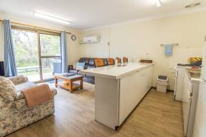 Emu Beach Chalets - One Bedroom Chalet
